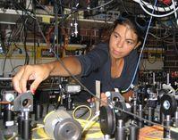 Francesca Ferlaino im Labor Quelle: Uni Innsbruck (idw)
