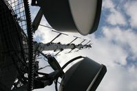 Sendemast: US-Auslandssender nun auch im Inland. Bild: pixelio/Joerg Trampert