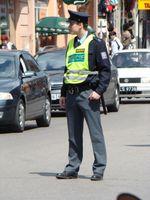 Polizei der Tschechischen Republik: Polizist der staatlichen Polizei in Uniform