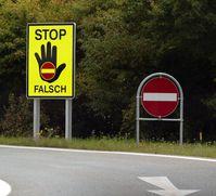 """""""Stop falsch!"""" in Österreich"""