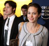 Jolie und Brad Pitt auf dem Weltwirtschaftsforum Bild: World Economic Forum von Cologny, Switzerland