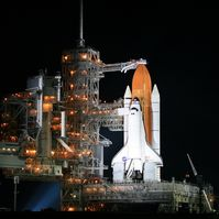 Endeavour vor dem Start der Mission STS-118
