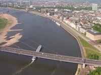 Niedrigwasser in Düsseldorf, Rheinkilometer 745