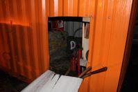 aufgeschnittener Lagercontainer Bild: Polizei