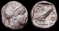 Tetradrachmon (nach 445 v. Chr.)Vorderseite: Kopf der AtheneRückseite: Eule mit Olivenzweig