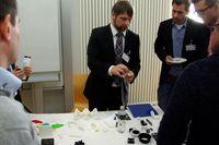 Bei der begleitenden Fachausstellung präsentierte u.a. das junge Unternehmen Formrise GmbH (Töging) 3D-Druck-Entwicklungen Quelle: Hochschule Landshut (idw)