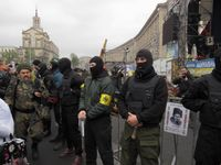 """Mitglieder de Gruppe """"Rechter Sektor"""", auf dem Euromaidan, am 13 April 2014"""