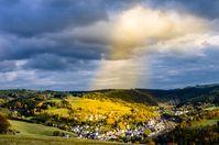 Ein ruhiges und schönes Dorf: Ist es abgehängt? Wenn ja von was? (Symbolbild)