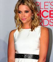 Ashley Benson bei den People's Choice Awards 2012