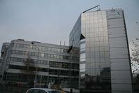 Volle Vorderfront des Gebäudes der Agence nationale de sécurité du médicament et des produits de santé (ANSM)