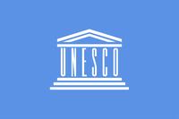 Flagge der Organisation der Vereinten Nationen für Bildung, Wissenschaft, Kultur und Kommunikation (UNESCO).
