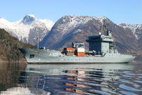 Tender RHEIN in der norwegischen Fjordlandschaft.