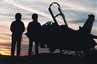 Deutsche Piloten der Luftwaffe halfen bei der Vorbereitung der Bombardierung einer Schule in Syrien.