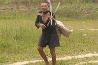 Dieser Murunahua-Mann wurde 1995 erstmals kontaktiert. Die Hälfte seines Volkes starb an den Folgen. Bild:  Chris Fagan/Upper Amazon Conservancy