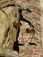 Waage, Ausgleich, Mediation (Symbolbild)