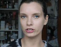 Ruth Crilly: P&G gerät durch Video-Tutorial in Verruf. Bild: YouTube/Screenshot
