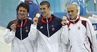 Michael Phelps (Mitte) am 10. August 2008 bei den Olympischen Spielen in Peking Bild: de.wikipedia.org