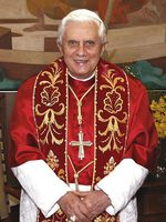 Benedikt XVI., der 265. und amtierende Papst Bild: Fabio Pozzebom/ABr / de.wikipedia.org