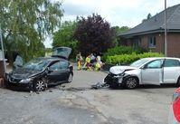 Die beiden Autos kollidierten auf einer Kreuzung. Bild: Polizei Minden-Lübbecke