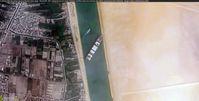 Das Schiff blockiert im März 2021 den Sueskanal.
