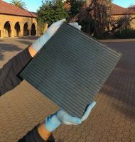 Modul aus blitzschnell hergestellten Perowskit-Solarzellen.
