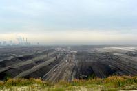 Lausitz: Abraumförderbrücke 33F60 im Tagebau Nochten