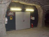 Eingang zum Untergrundlabor für Dosimetrie und Spektrometrie der PTB (Asse). Bild: Wusel007 at de.wikipedia