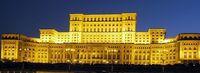 Parlamentspalast bei Nachtbeleuchtung