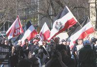 Neonazis bei einer Demonstration