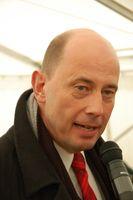 Wolfgang Tiefensee bei seiner Rede zur Grundsteinlegung für das Schiffshebewerk Niederfinow Nord am 23. März 2009