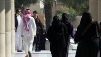"""Wie es derzeit um die Situation der Frauen im streng islamischen Königreich Saudi-Arabien bestellt ist, beleuchten zwei neue Dokus in ZDFinfo. / Bild: """"obs/ZDFinfo/Louie Eroglu/John Mees"""""""