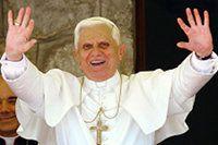 Papst Benedikt XVI. (82) Bild: GoMoPa