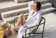 Auch im Sommer eignet sich das Saunieren und Entspannen als perfektes Programm für einen schönen Tag.