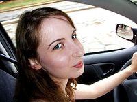 Junge Lenkerin: Alternativen zum Auto im Vormarsch. Bild: Flickr/Bodini