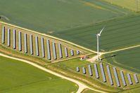 Photovoltaikanlage bei Hooksiel, Luftbild 2012