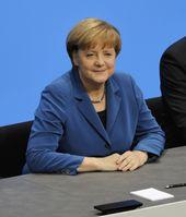 Angela Merkel bei der Unterzeichnung des Koalitionsvertrages der 18. Wahlperiode des Bundestages (2013).