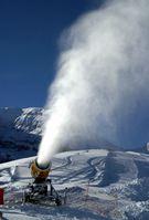 Schneeerzeuger in Aktion