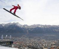 Springer von der Bergiselschanze in Innsbruck
