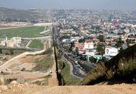 Grenzbefestigung zwischen San Diego (USA, links) und Tijuana (Mexiko), 2007