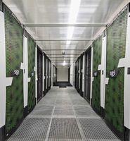 """Das erweiterte Datenzentrum von SKODA AUTO dient als Cloud-Speicher, die Unternehmensbereiche Technische Entwicklung und Produktion nutzen die Kapazitäten des Zentrums für Virtual Reality-Darstellungen, Visualisierungen und Simulationen. / Bild: """"obs/Skoda Auto Deutschland GmbH"""""""