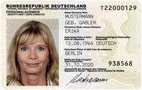 In der Bundesrepublik Deutschland seit 1. November 2010 ausgegebener Personalausweis mit den Daten von Erika Mustermann[1]