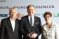 Von Links: Ernst Dieter Rossmann, Armin Wolf und Annegret Kramp-Karrenbauer (2018)