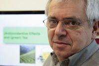 Auch privat ein Teegenießer: Georg Gescheidt-Demner vom Institut für Physikalische und Theoretische Chemie der TU Graz. Quelle: TU Graz (idw)