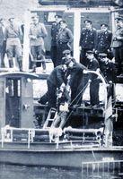 Bergung des erschossenen Günter Litfin aus dem Becken des Humboldthafens am 24. August 1961