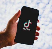 TikTok: Informiert nun bei Video-Entfernung.