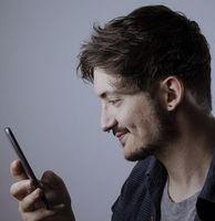 Smartphone-Nutzer: oft Bakterien an Fingern.