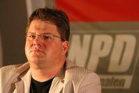 Holger Apfel auf einem NPD-Podium