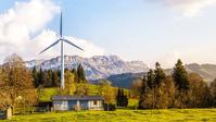 Die Regierung kann ihre Ziele nur erreichen, wenn Tausende Windräder nahe an Wohnhäusern und im Wald gebaut werden (Symbolbild) Bild: AfD Deutschland