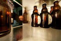 Bier: Alkohol beeinflusst Risiko von Schlaganfall. Bild: pixelio.de/Wandersmann