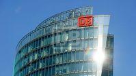 Zentrale der Deutsche Bahn in Frankfurt am Main. Die Bahn kommt - außer bei Regen, Hitze, Kälte, Wind und Regen...